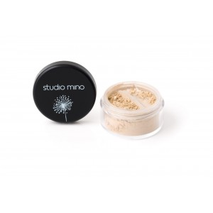 Glowing complexion finishing powder